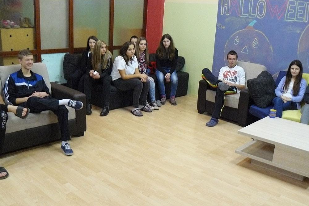 Održana tribina o štetnosti pijenja alkohola za učenike u Učeničkom domu Virovitica