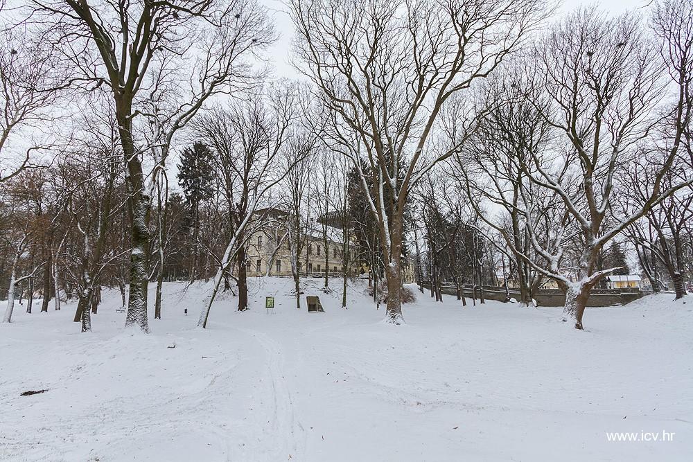 """FOTO: Zimska idila u Virovitici – nova """"pošiljka"""" sniježnih pahuljica stiže već sutra"""