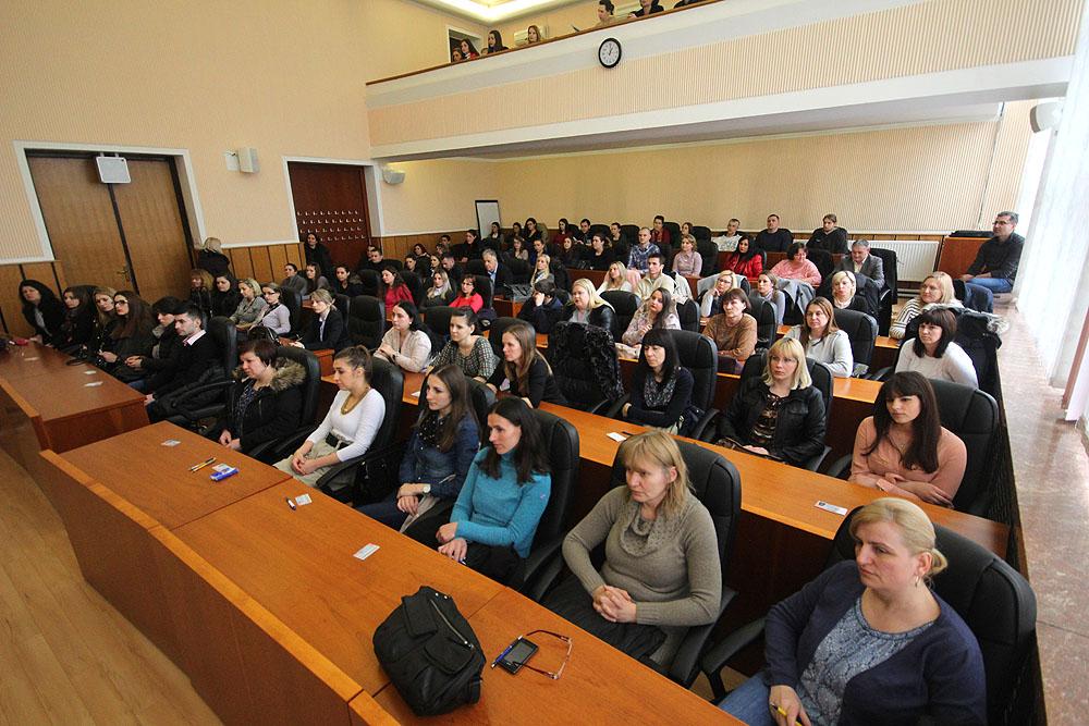 Virovitičko-podravska županija: Pomoćnici u nastavi u Virovitici educirali se o novitetima u sklopu projekta