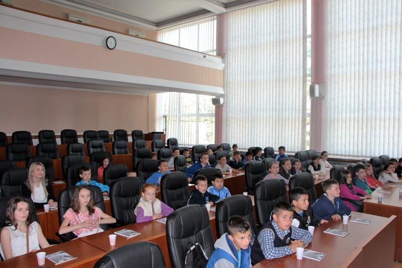 Učenici Područne škole Ćeralije u sklopu terenske nastave posjetili Virovitičko-podravsku županiju