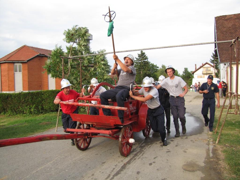 Starom špricom najbolje gađaju vatrogasci iz Starog Graca, potom Otrovanca i Turnašice