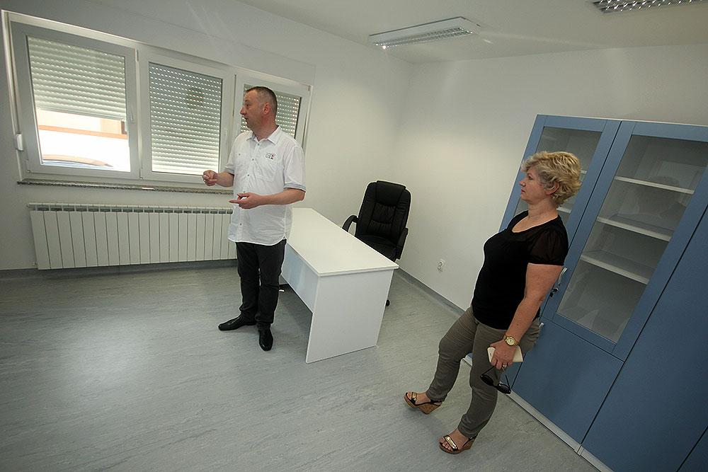 Obnašateljica dužnosti župana, Sanja Bošnjak, obišla buduće ambulante Doma zdravlja VPŽ u Novoj Bukovici i Zdencima