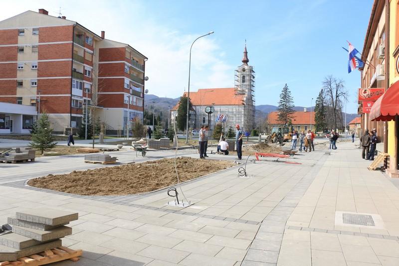U Orahovici se zbog radova u središtu grada, od ponedjeljak 27. ožujka za promet zatvara kolni prilaz do parkirališta kod Konzuma