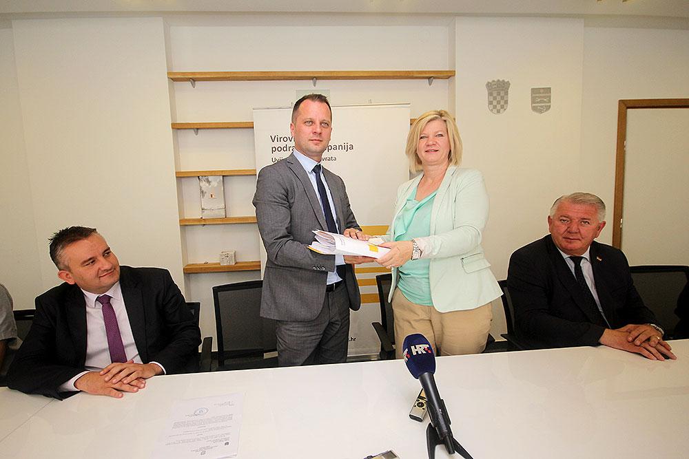 LokalnaHrvatska.hr Virovitičko-podravska županija Igor Androvic je preuzeo duznost zupana Viroviticko-podravske zupanije najavivsi najveci pomak u razvoju gospodarstva i zaposljavanju