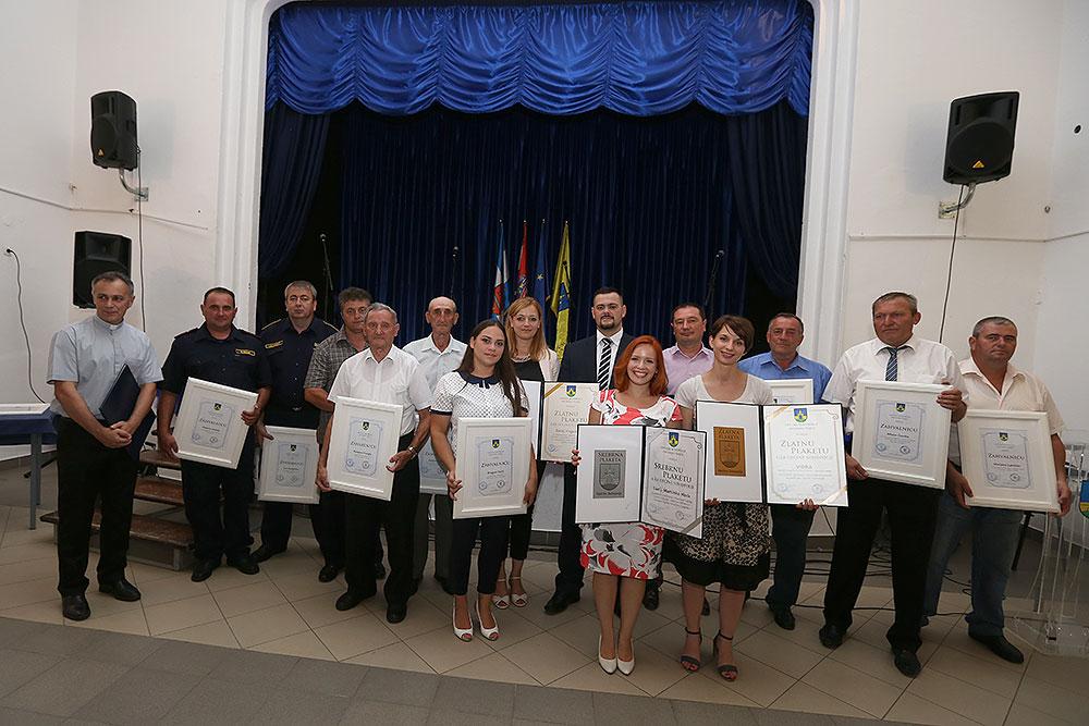 Pogledajte tko su nagrađeni povodom dana Općine Suhopolje: Zlatni Grb dobili su Zorica Hegedušić, Damir Marenić, Brana d.o.o. i razvojna agencija VIDRA