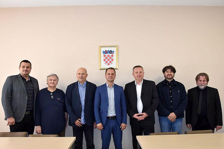 Otvorena dvorana za orahovačke studente i potpisan ugovor o suradnji Doma zdravlja Virovitičko-podravske županije i dva osječka fakulteta