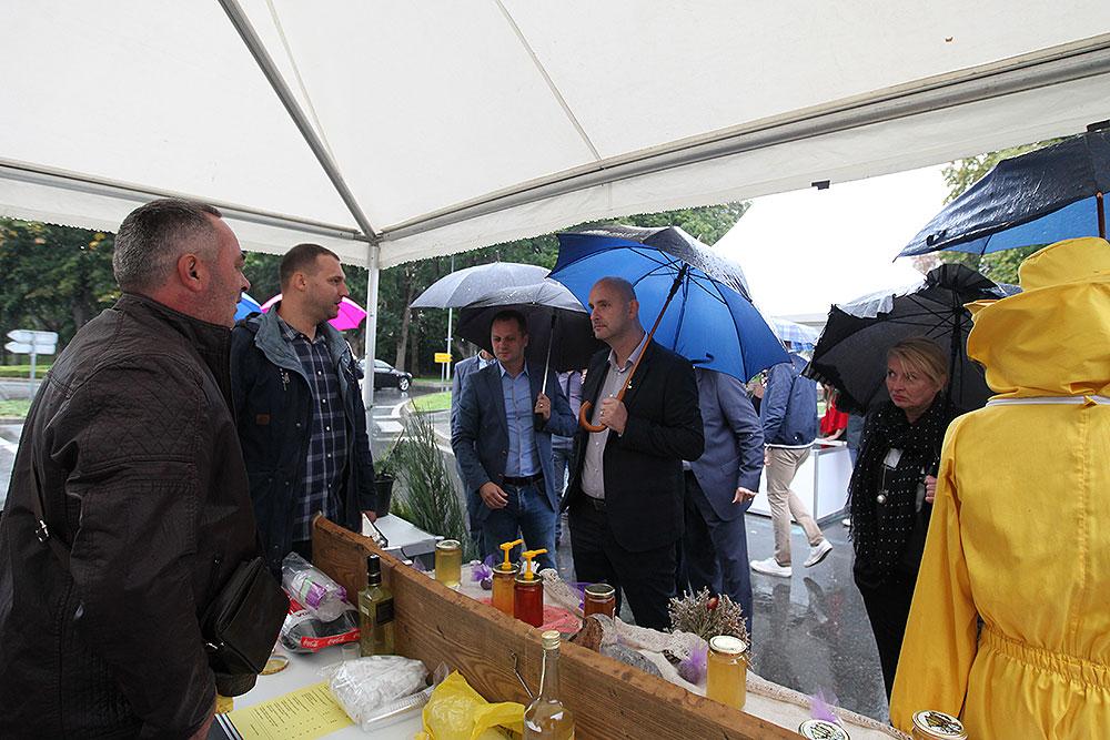 Fotogalerija: Više od 100 izlagača bilo je na 7. sajmu agroproizvoda i opreme Agroexpo 2017. koji je otvorio ministar poljoprivrede Tomislav Tolušićagrexpo 2017