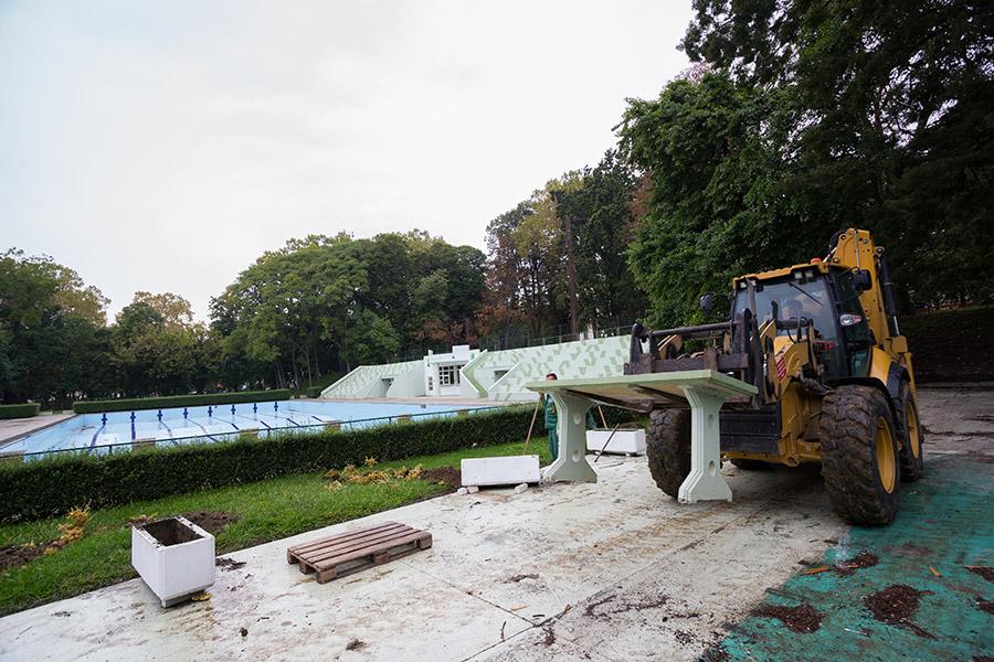 Početkom rekonstrukcije Palače Pejačević, u okviru koje će se obaviti i rekonstrukcija Gradskog parka, u Virovitici su počeli i radovi na uklanjanju Gradskog bazena