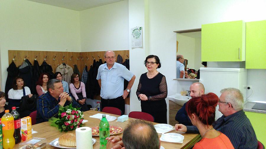Nakon 41 godine, profesorica hrvatskog jezika u Tehničkoj školi Virovitica, Nada Bolić, proslavila odlazak u zasluženu mirovinu