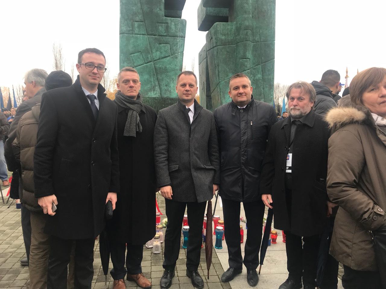 Izaslanstvo Virovitičko-podravske županije predvođeno županom Igorom Androvićem bilo je u koloni sjećanja na herojsku obranu grada Vukovara