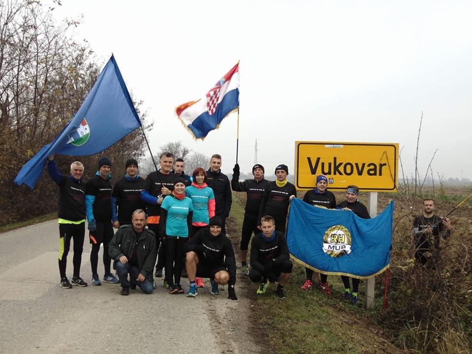 Fotogalerija: Glasnici istine istrčali 90 kilometara za žrtvu herojskog grada Vukovara