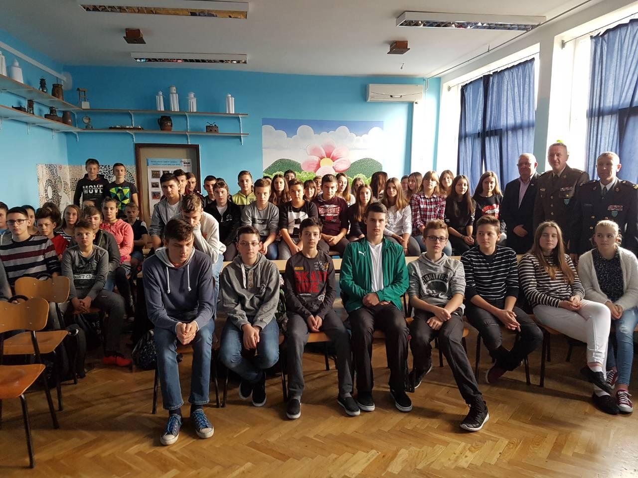 "Osnovna škola Suhopolje: Učenici slušali predavanje ""Ponosni na Domovinski rat"""