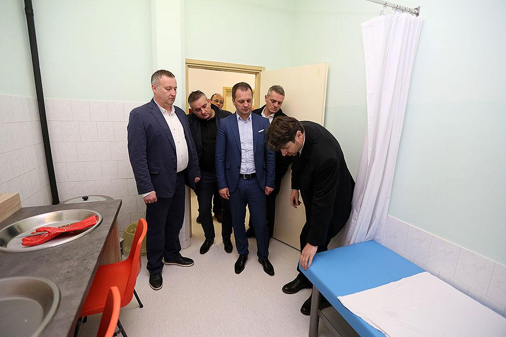 Zahvaljujući dobroj suradnji sa Županijom, kao i s Razvojnom agencijom VIDRA, Domu zdravlja VPŽ je u protekle dvije i pol godine odobreno gotovo 16 milijuna kuna bespovratnih sredstava