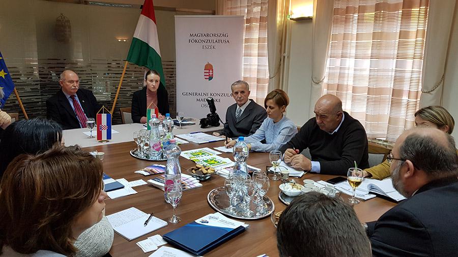 Republika Mađarska uskoro počinju s gradnjom suvremene cestovne prometnice od Pečuha prema Barcsu