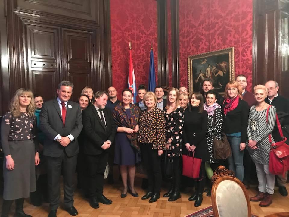 """Sudionici projekta """"Budi STEMpatičan"""" posjetili su Veleposlanstvo Republike Hrvatske u Beču"""