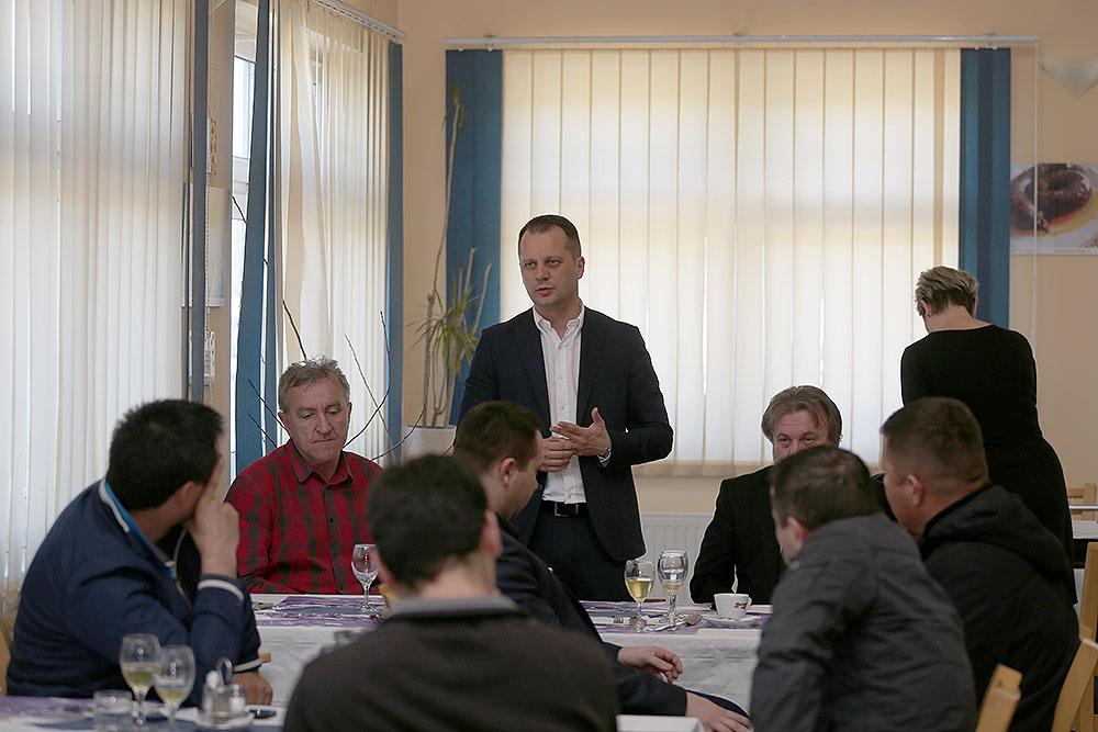 Održana redovna sjednica Skupštine Udruga voćara Virovitičko-podravske županije koja okuplja 40-ak članova koji se najvećim dijelom bave uzgojem jabuka