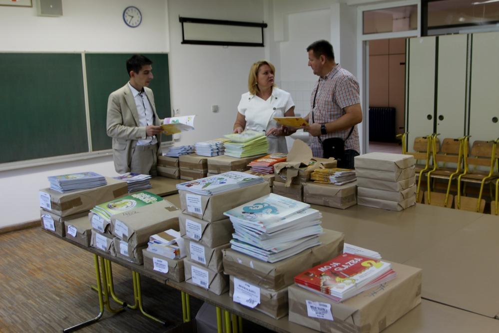 Virovitica: Učenicima nižih razreda osnovnih škola i ove godine besplatni udžbenici, a za više razrede, radni materijali