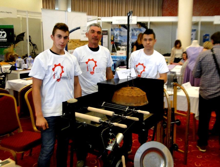 Virovitički srednjoškolci Industrijsko-obrtničke škole uz mentorstvo Zorana Kozjaka, osmislili turbo roštilj koji kontrolira jačinu vatre