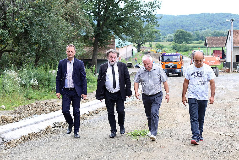 Općina Mikleuš novim projektima pomaže poduzetnicima i OPG-ima, a gradilište u Četekovcu obišao je i virovitičko-podravski župan Igor Andrović