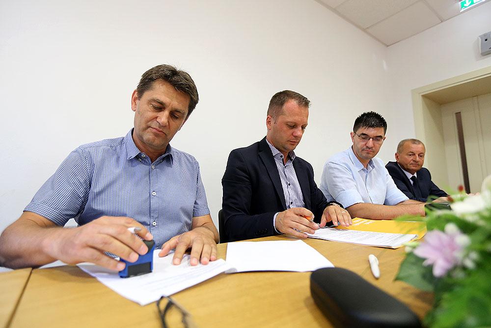 Hotel Kurija Jankovića dobiva nove sadržaje: Potpisan ugovor za Izgradnju športsko-rekreacijskog centra, pristupne ceste i uređenje okoliša