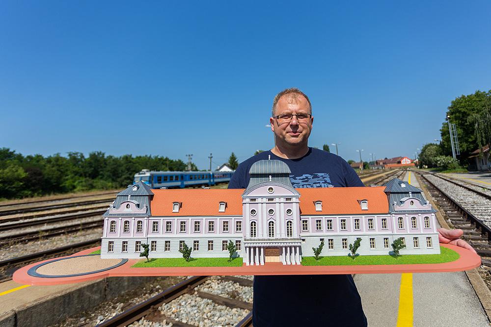 Oko 1300 dijelova i 700 sati rada: Virovitičani Goran Denac i Robert Bogović napravili su pravo maketarsko čudo
