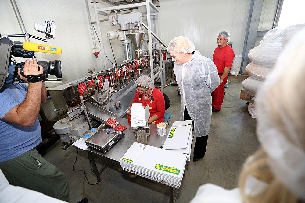 Predsjednica RH Kolinda Grabar-Kitarović obišla tvrtku Šafram u Turanovcu, vodećeg proizvođača začina u Hrvatskoj