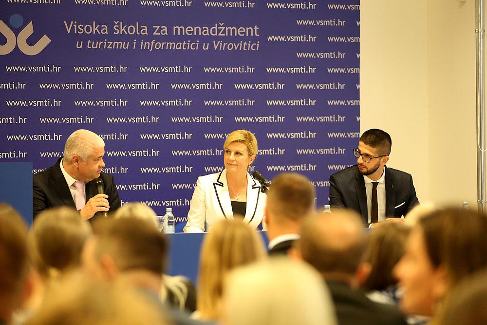Predsjednica Kolinda Grabar-Kitarović sa studentima u Visokoj školi Virovitica: Vi ste budući lideri Hrvatske