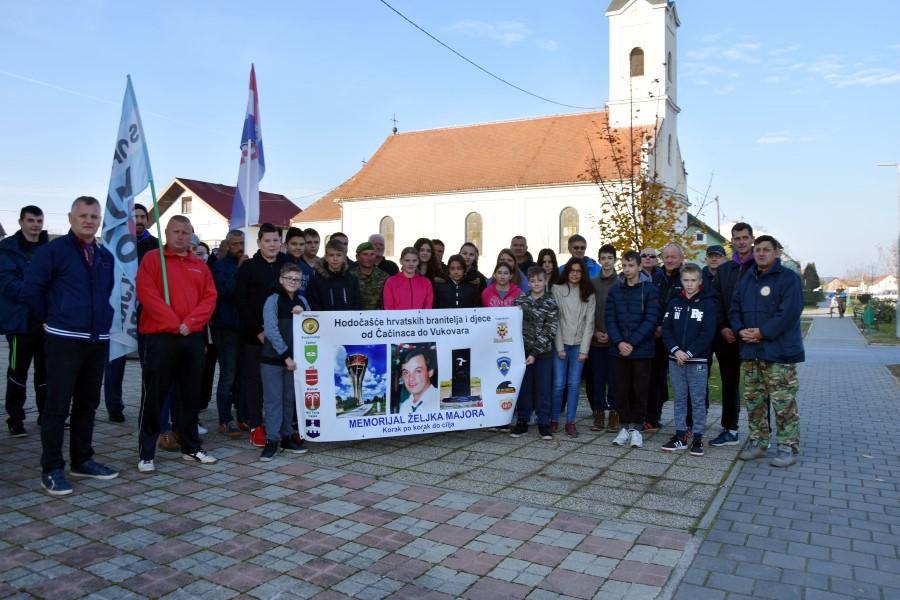 Krenula 7. memorijalna hodnja od Čačinaca do Vukovara u čast vukovarskom heroju Željku Majoru