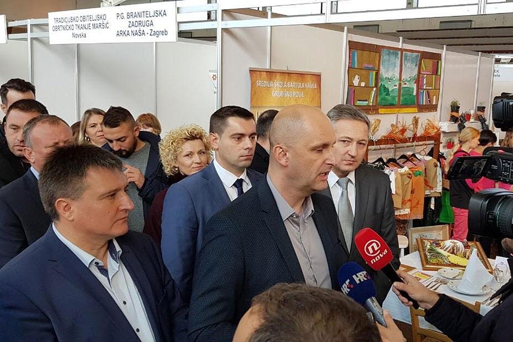 Tomislav Tolušić, potpredsjednik Vlade RH i ministar poljoprivrede otvorio je 16. Gospodarski sajam – sajam sira