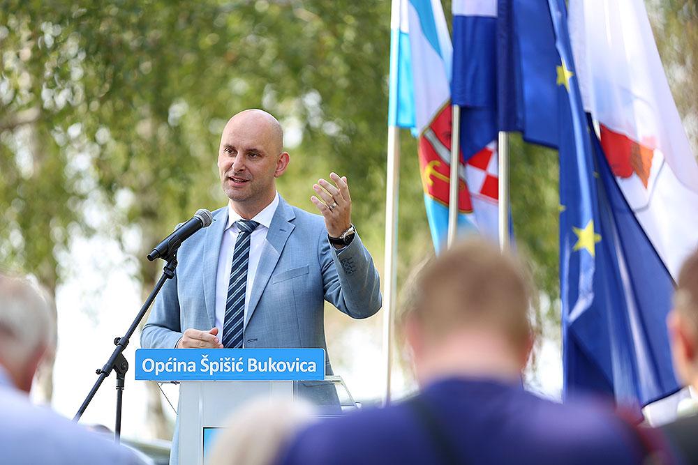 Potpredsjednik Vlade RH i ministar poljoprivrede Tomislav Tolušić: Prošli mjesec isplaćeno je 1,1 milijardi kuna avansa poticaja, najviše do sada