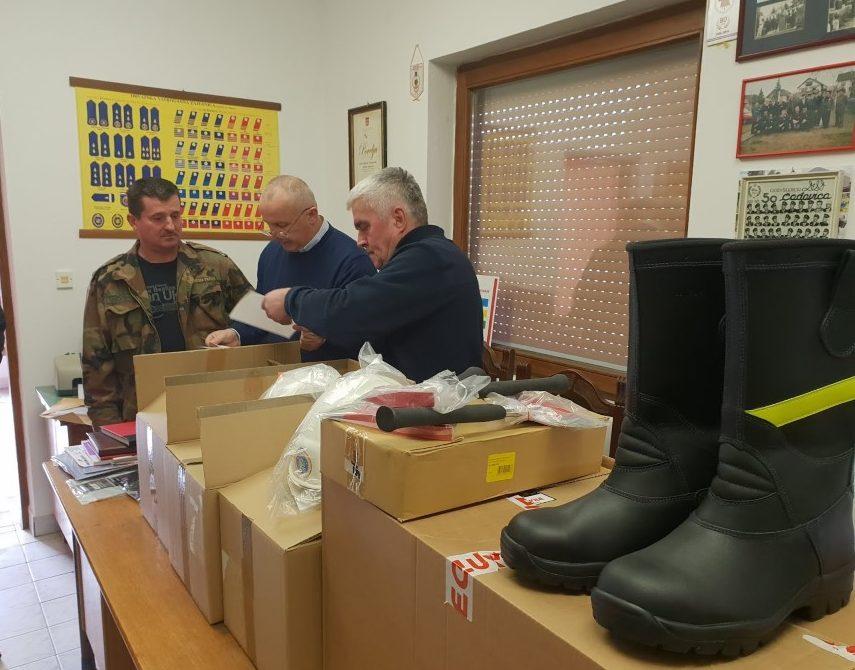 Općina Čađavica: Nova vatrogasna odijela i oprema za vatrogasce