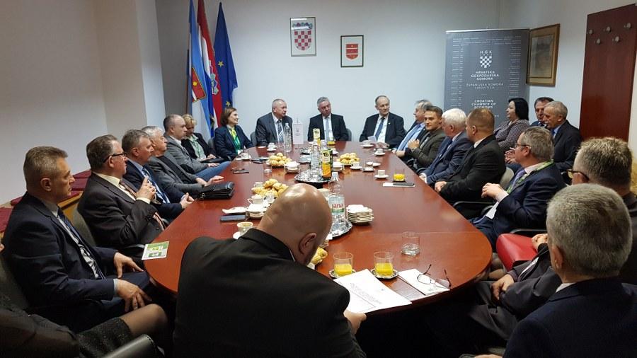 U HGK – Županijskoj komori Virovitica, na dan otvorenja Viroexpa, održan je susret komora i predstavnika sajmova
