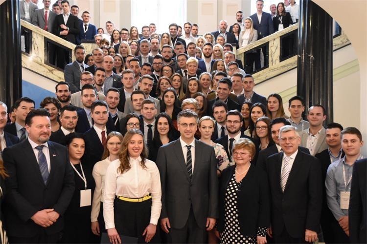 Predstavnici savjeta mladih s područja Virovitičko-podravske županije sudjelovali su na Godišnjoj konferenciji savjeta mladih RH
