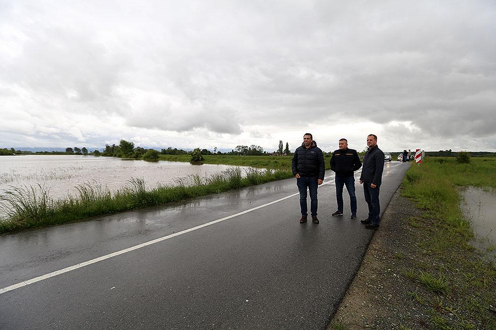Fotogalerija: Župan Igor Andrović obišao poplavljena područja na području općina Nova Bukovica, Mikleuš i Zdenci