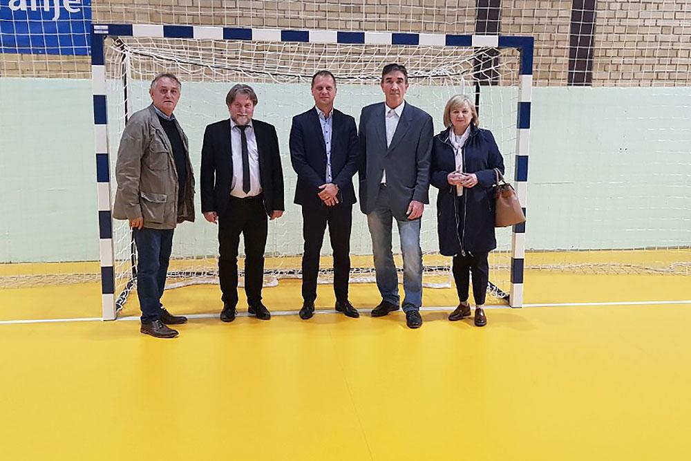 Fotogalerija: Sportske dvorane u Orahovici i Slatini u novom ruhu, obišao ih je župan Igor Andrović