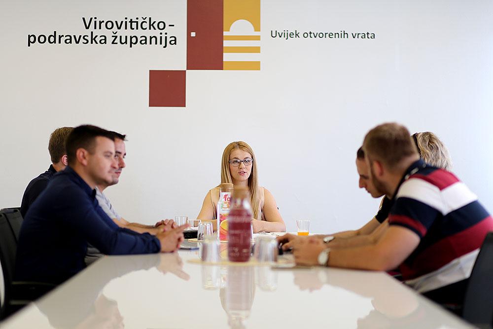 Savjet mladih VPŽ: Aktivno uključivanje u proces dijaloga EU s ciljem zajedničke politike za mlade na europskoj razini