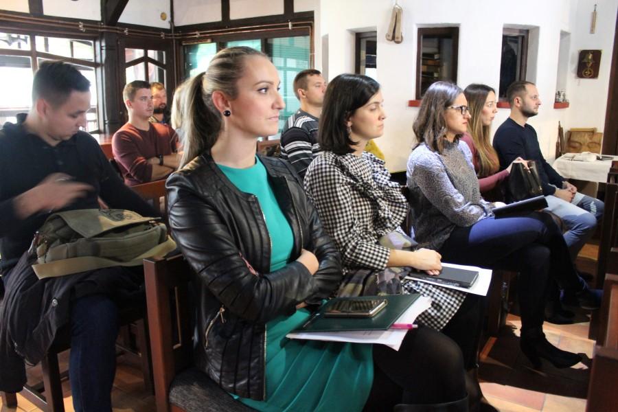 """U Zlatnom klasu u Otrovancu održana panel diskusija """"Dobre prakse i izazovi u promociji seoskog turizma"""""""