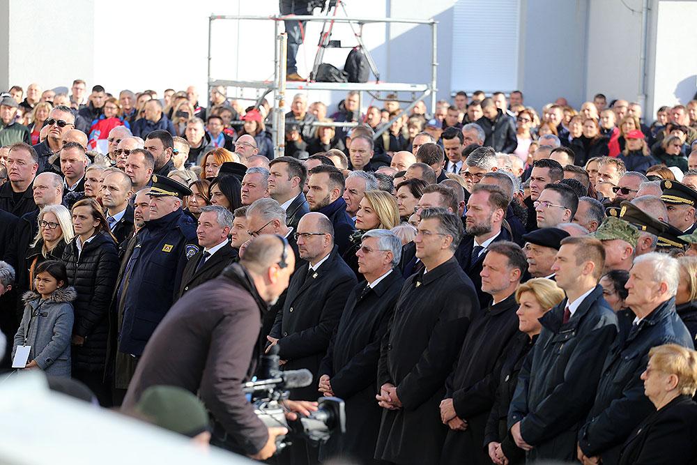 Dan sjećanja na žrtvu Vukovara: Koloni sjećanja pridružili se brojni stanovnici Virovitičko-podravske županije