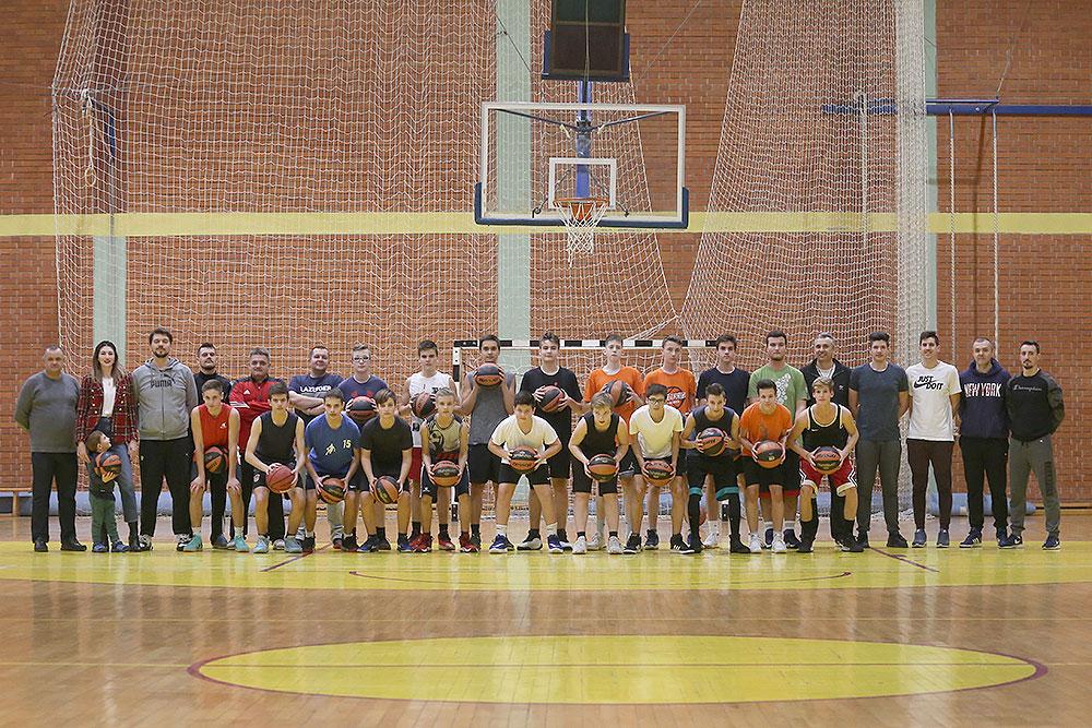 KK Virka dobila 20 košarkaških lopti zahvaljujući suradnji HOO-a i Sportske zajednice Virovitičko-podravske županije