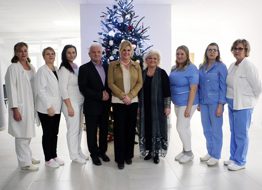 Fotogalerija: Predsjednica Kolinda Grabar-Kitarović u Virovitic je posjetila Dom za starije osobe Baturina