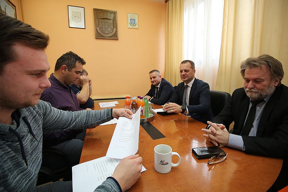 Virovitičko-podravski župan Igor Andrović, sa zamjenicima, Marijom Klementom i Darkom Žužakom, posjetio je Općinu Zdenci