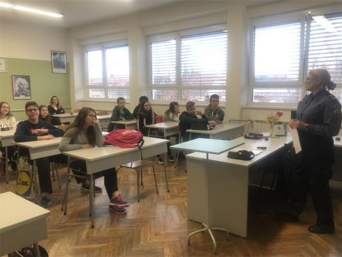 """U OŠ Ivane Brlić Mažuranić Virovitica održana predavanja u sklopu preventivnog programa """"Zdrav za 5"""""""