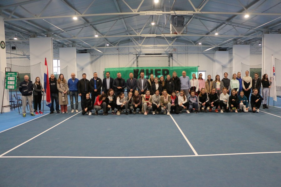 U hali Viroexpo župan Igor Andrović svečano otvorio Dvoransko prvenstvo Hrvatske u tenisu za juniorke