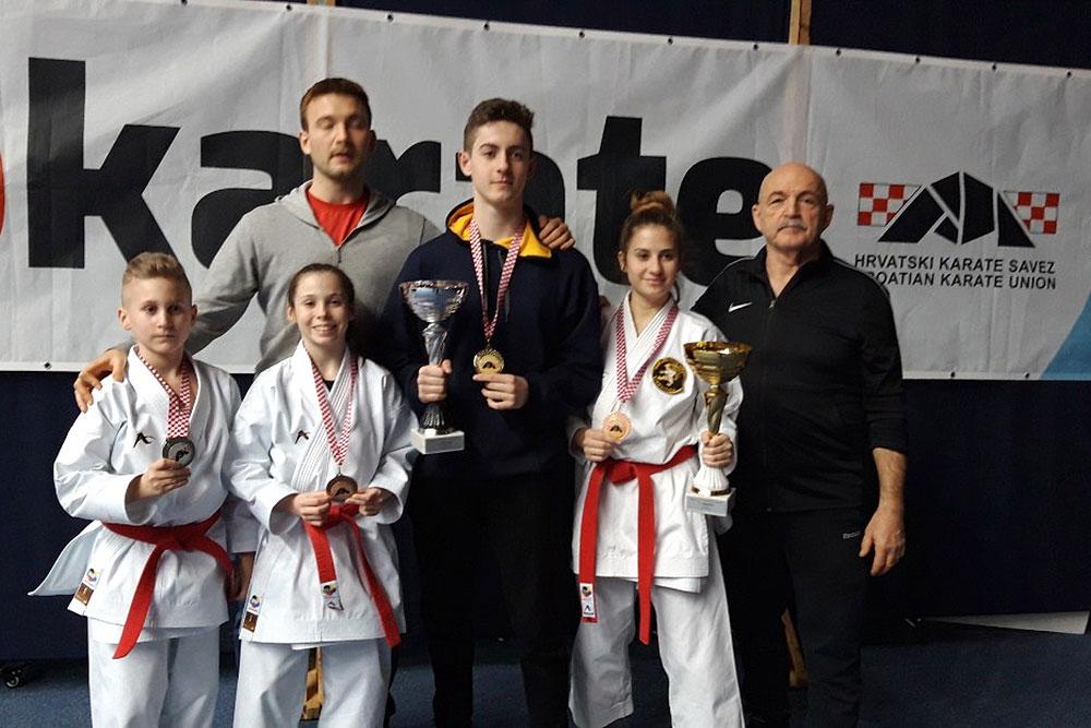 Sara Malčec i Matija Relić seniorski su prvaci Hrvatske u katama, Lovro Erak bio je srebrni, a Laura Erak brončana