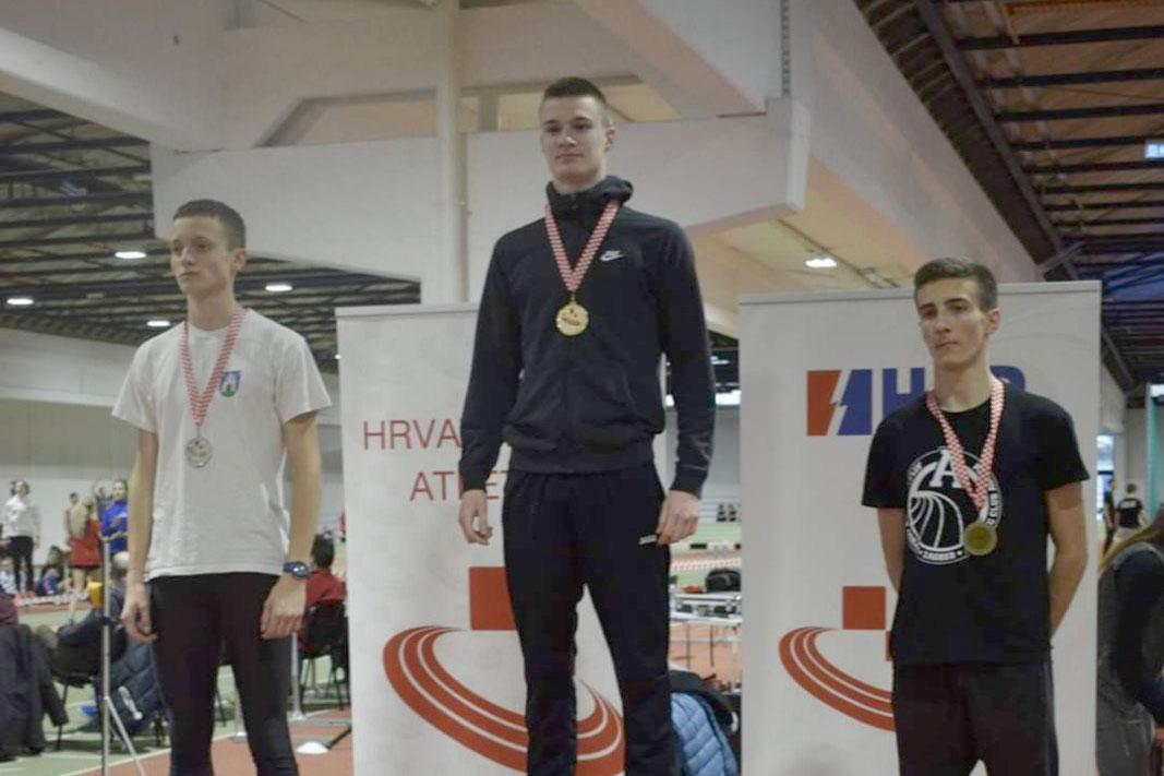 Virovitičanin Tin Tumpić osvojio je brončanu medalju na mlađe juniorskom Prvenstvu Hrvatske, on je 800 metara istrčao za 2:06;05